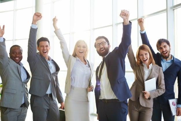 businesspeople-celebrating-success_1098-1996.jpg
