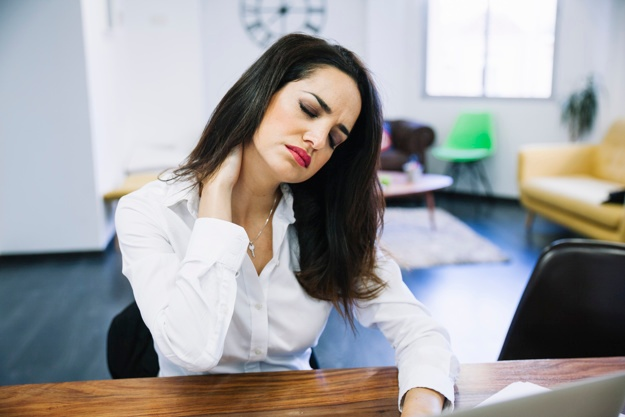 businesswoman-in-pain_23-2147704567
