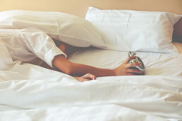 field-sleep-lazy-indoors-morning-napping_1418-21