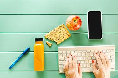 healthy-food-concept-with-keyboard_23-2147803036