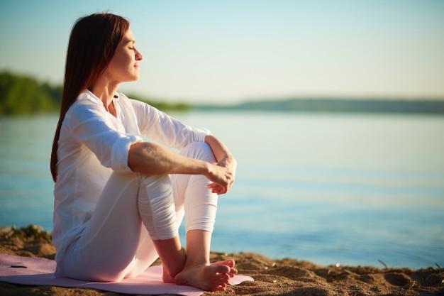relaxed-woman-enjoying-the-sea_1098-1441.jpg